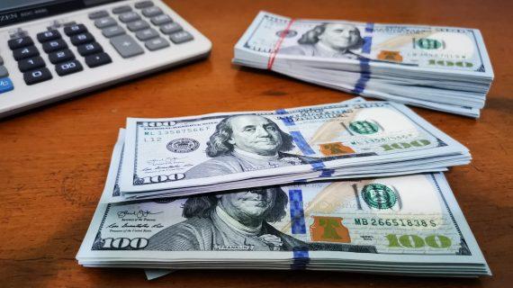 Simpan US Dolar lebih Aman dan Menguntungkan | Tips Investasi